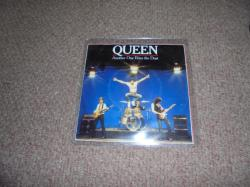 QUEEN ANOTHER ONE BITES THE DUST 7INCH PS