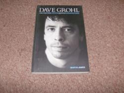 DAVE GROHL BOOK M JAMES