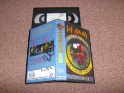 IN THE ROUND VHS VIDEO SIGNEDX2