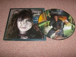 MODERN GIRL 12PS AND 12INCH PIC DISC